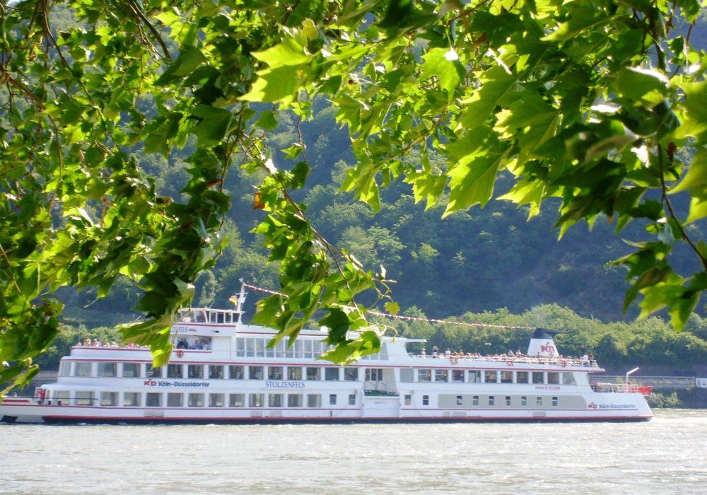 rauf auf`s Schiff – eine Rheinfahrt in den Neunzigern