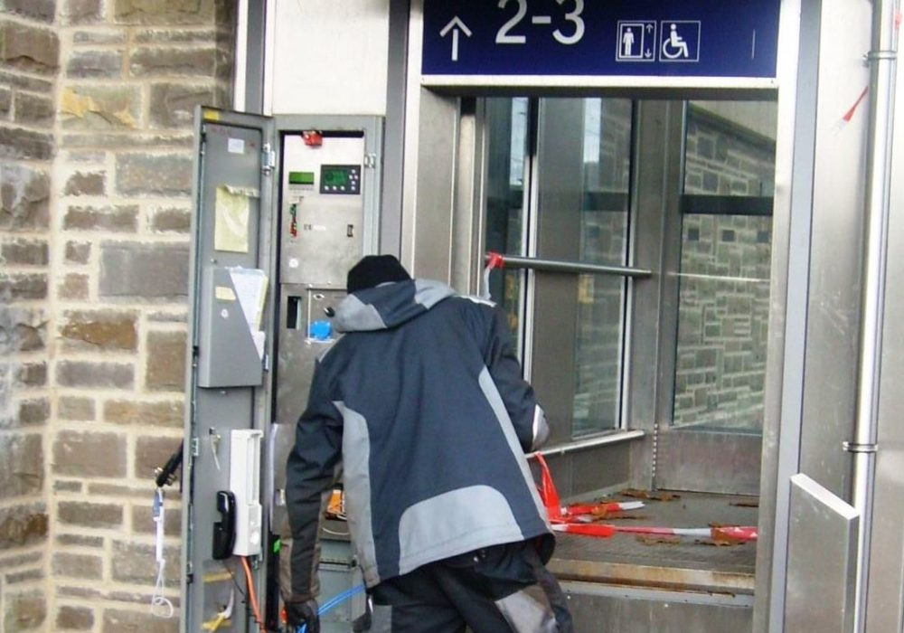 endlich: Fahrstuhl ist repariert!